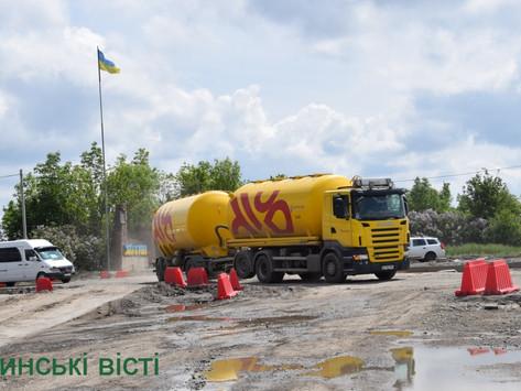 """Про ремонт дороги через Хотин та злощасного """"кільця"""" на об'їзній"""