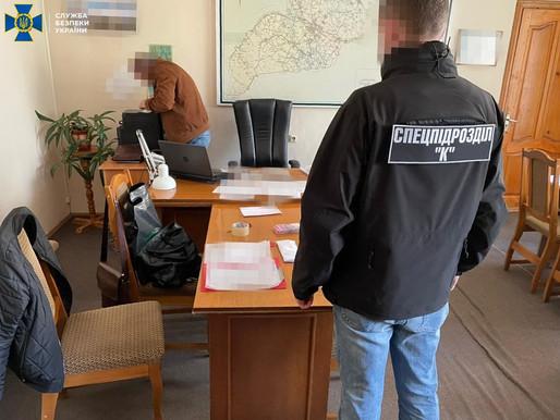 «Відкат» у 600 тисяч гривень: на Буковині СБУ викрила оборудку на ремонті доріг