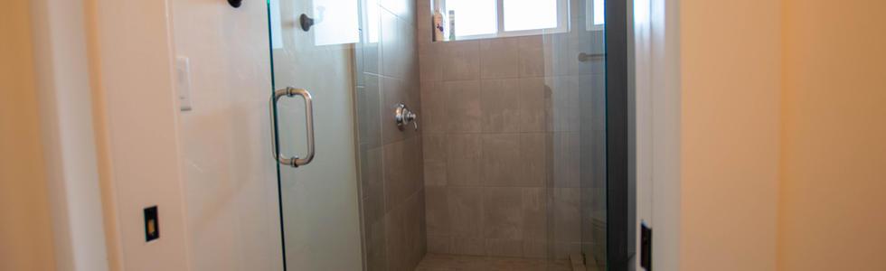Queen Suite - Bathroom
