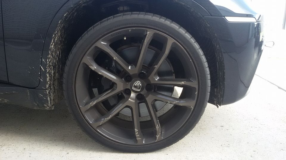 Dimension Reifen vorne.jpg
