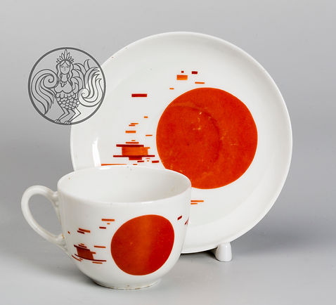 Чашка с блюдцем. Н. Суетин