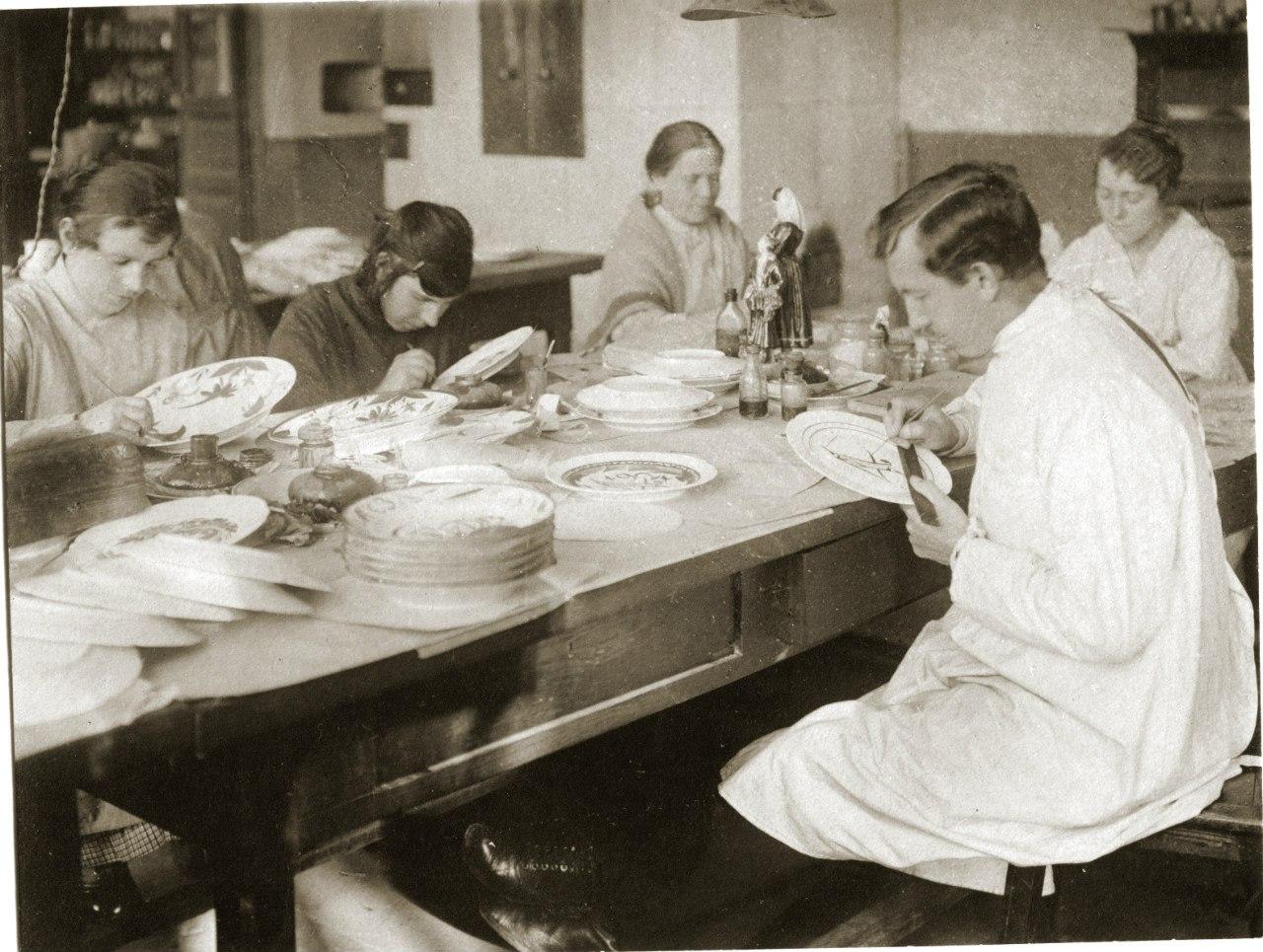 4. Живописный цех ГФЗ. 1921