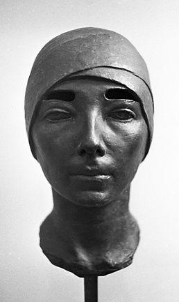 Лебедева С. Женская голова (Цита) 1928.j