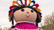 Lele, la muñeca de Amealco en gira por el mundo