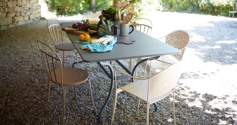 Mobilier-de-jardin-Fermob-table-de-jardi