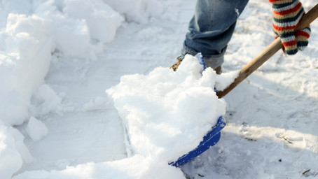 Snow Shoveling Tips for a Healthy Back