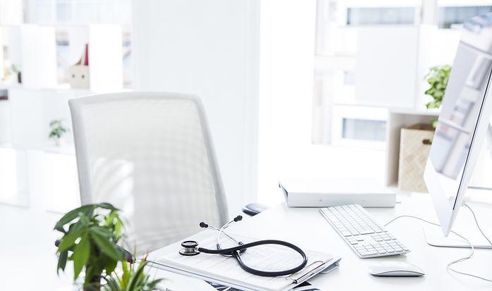 Arzt Schreibtisch