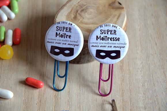"""Badge """"Je suis un(e) super maître(sse)"""" avec un masque"""