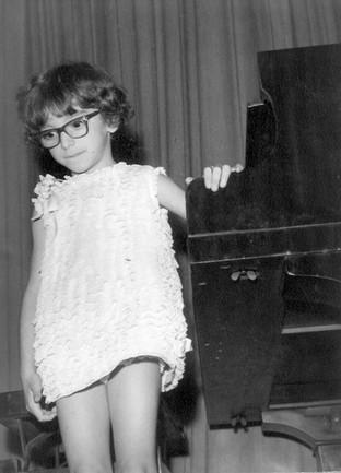 Eliane Rodrigues  5 years - first recita