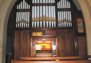 St-Thomass-organ.jpg