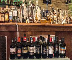 Einige Spiritousen und Wein...