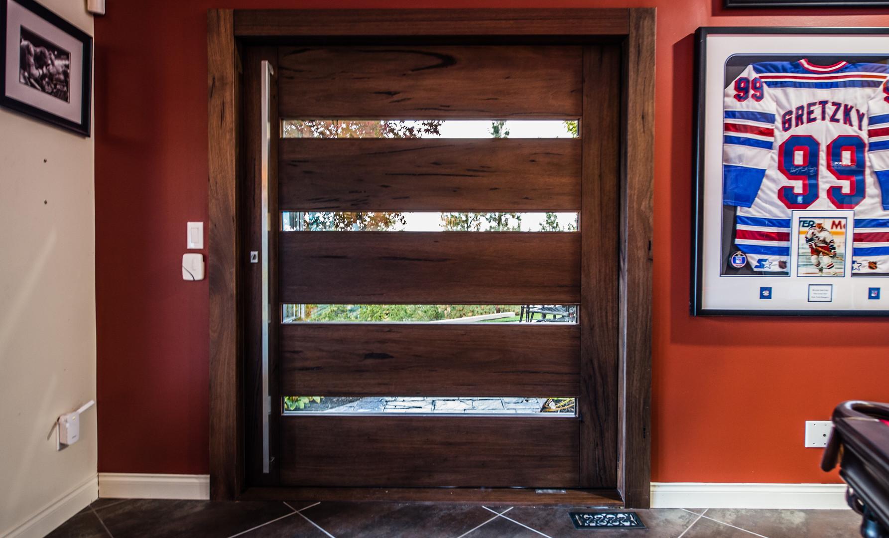 West Coast Pivot - Single Door