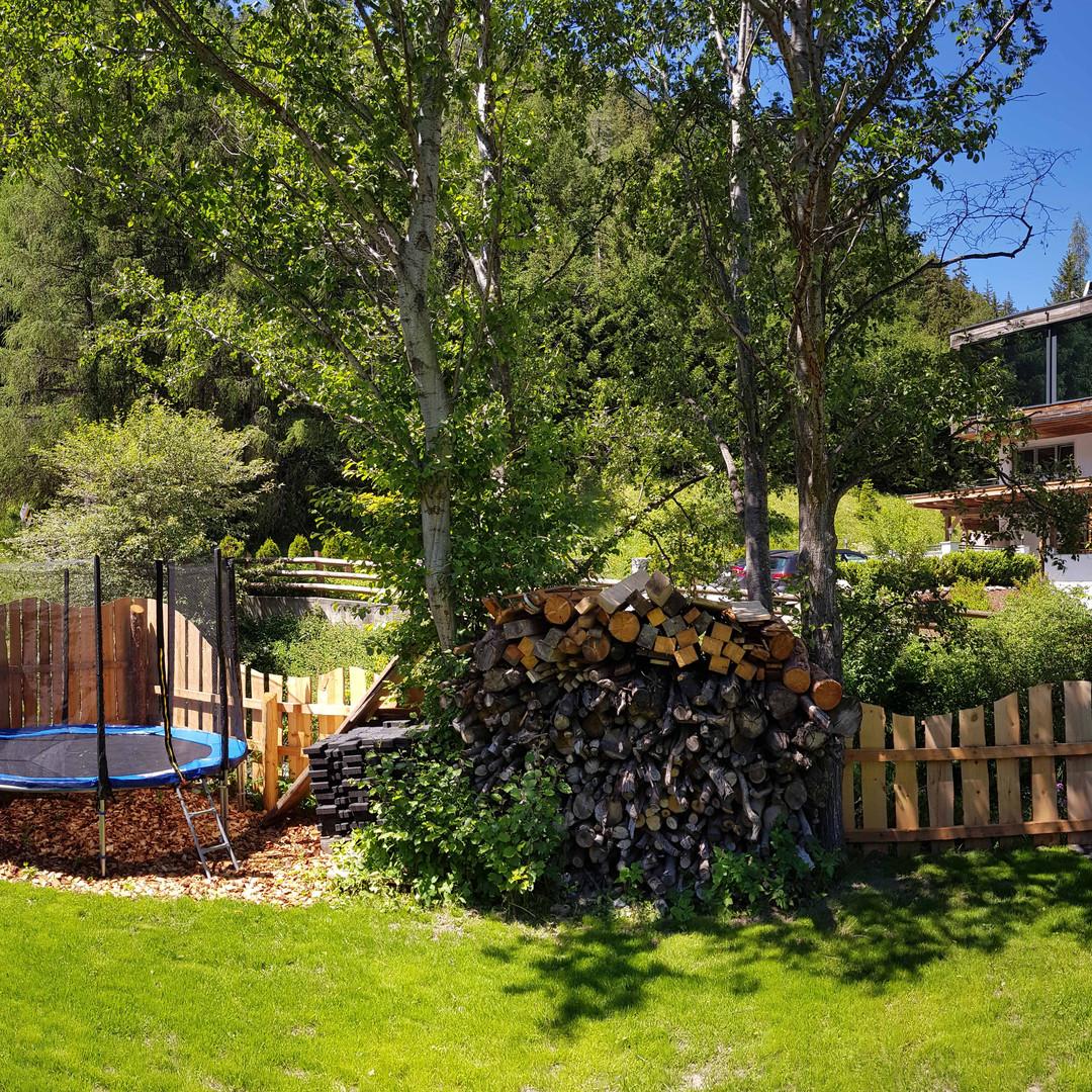 Alte Muehle Nauders - Gartenalage mit Spielbereich