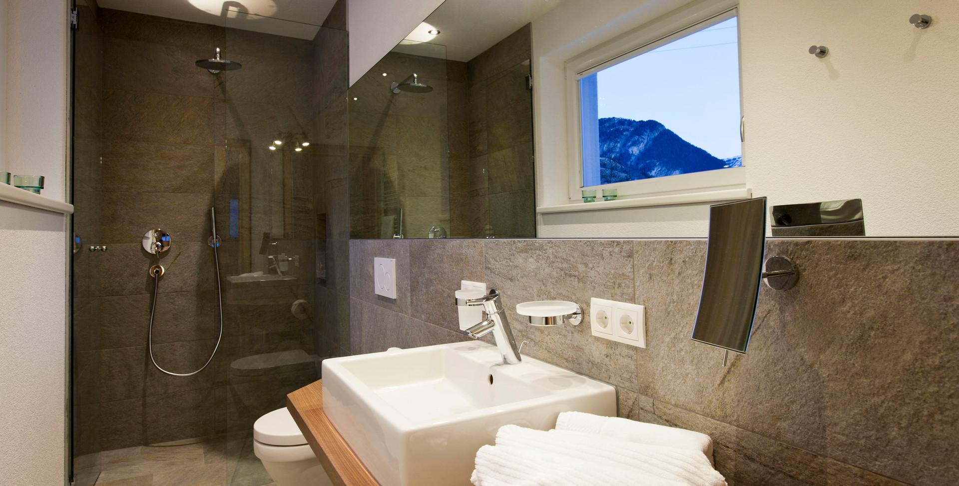 Alte Muehle Nauders Apart Waldgefluester Detailansicht Badezimmer
