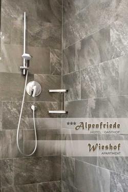 Wieshof-Badezimmer3