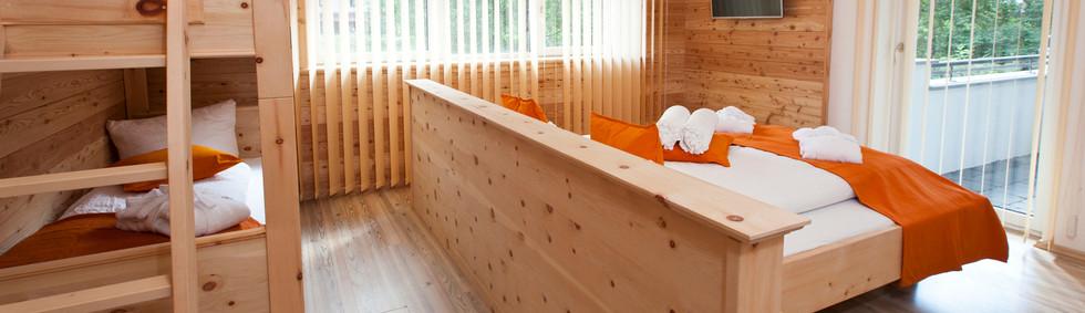 Alte Muehle Nauders Apart Wildwechsel Schlafzimmer Zirbe mit Stockbett