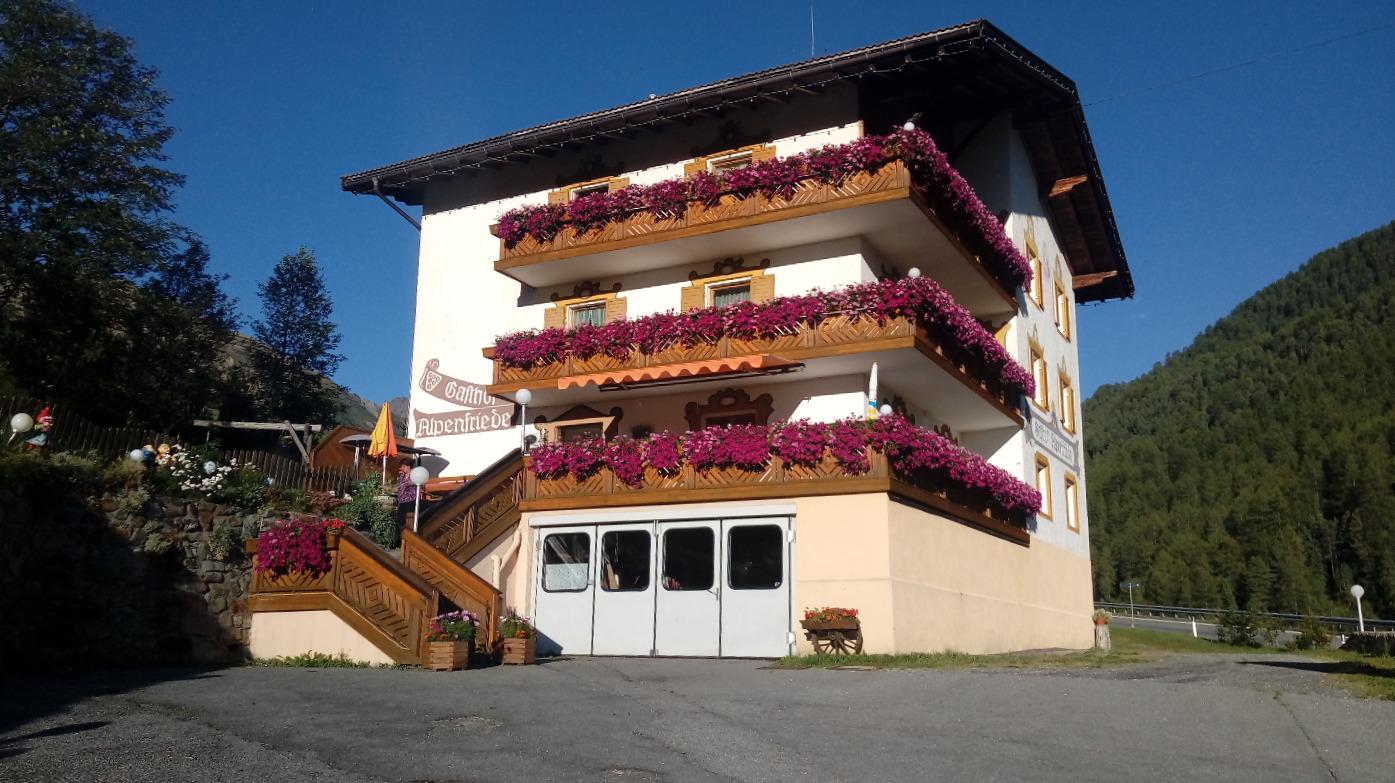 Hotelansicht Alpenfriede Langtaufers