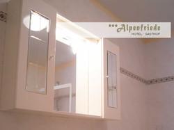 Badezimmer Hotel Alpenfriede 5