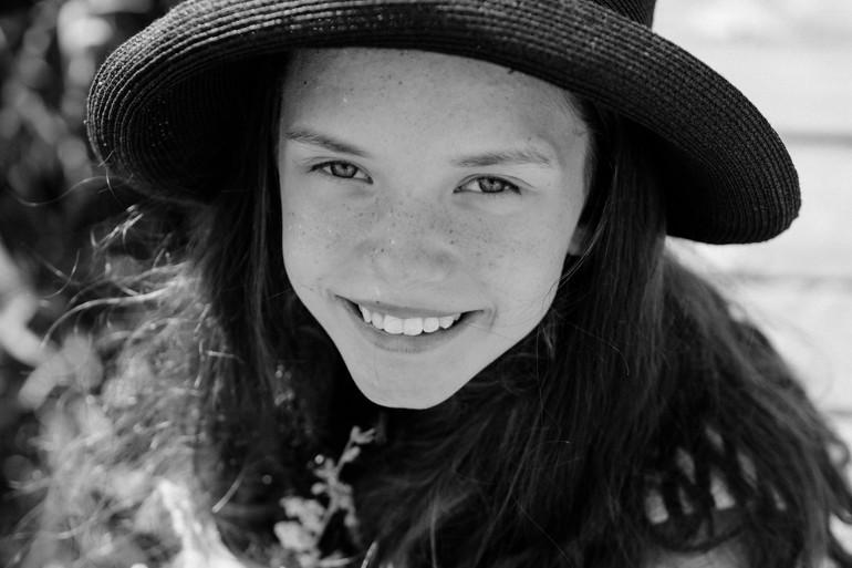 Julia-Mühlbauer-schwarzweiss-kinderportrait.jpg