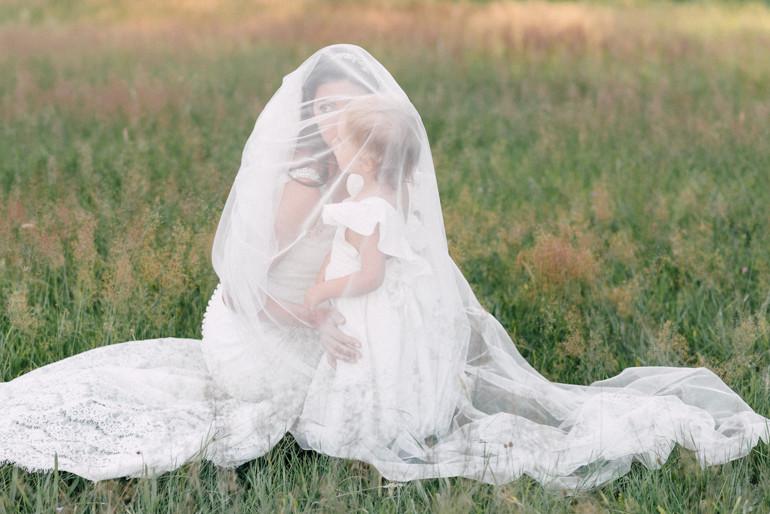 Julia-Mühlbauer-Hochzeitsfotografie-Kinder-Braut-25.jpg