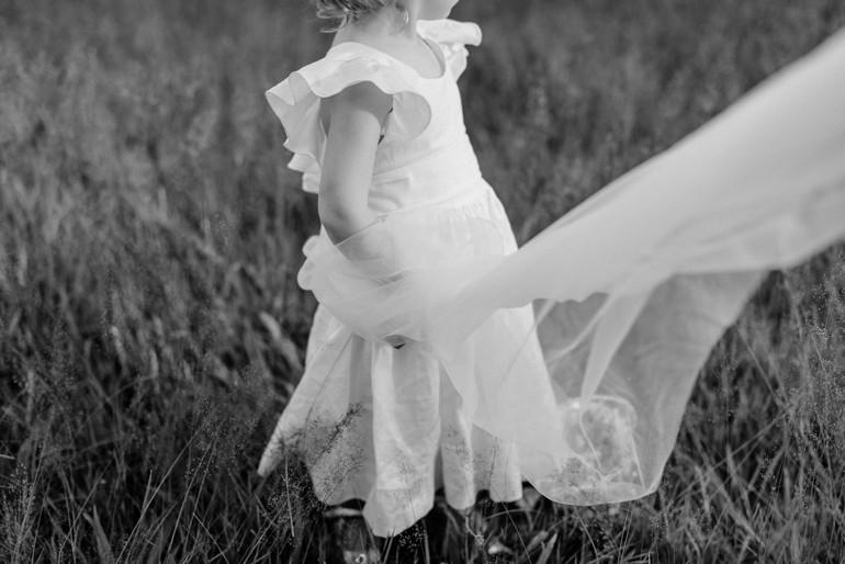 Julia-Mühlbauer-Hochzeitsfotografie-Kinder-Braut-12.jpg