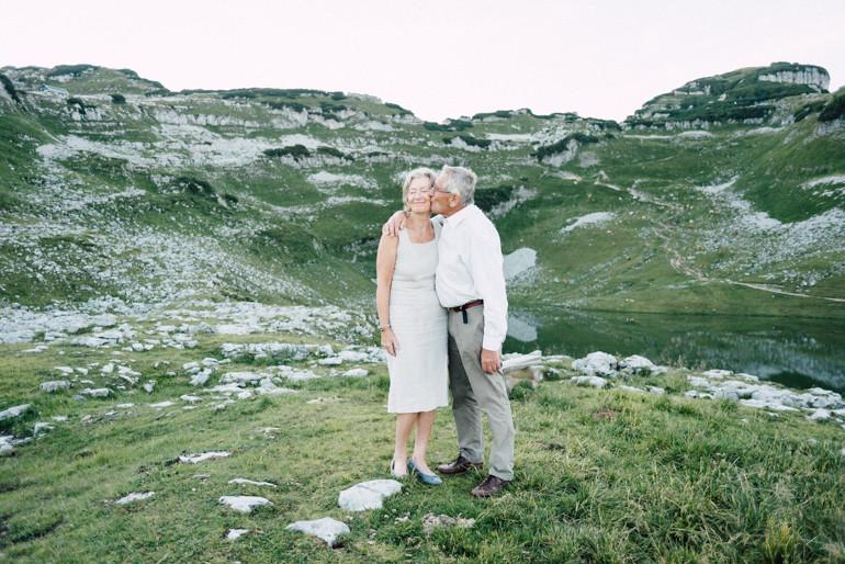 Julia-Mühlbauer-Altaussee-Paarshooting-Goldene-Hochzeit-11.jpg
