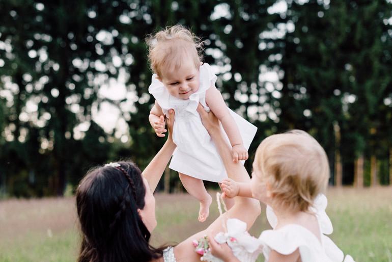 Julia-Mühlbauer-Hochzeitsfotografie-Kinder-Braut-26.jpg