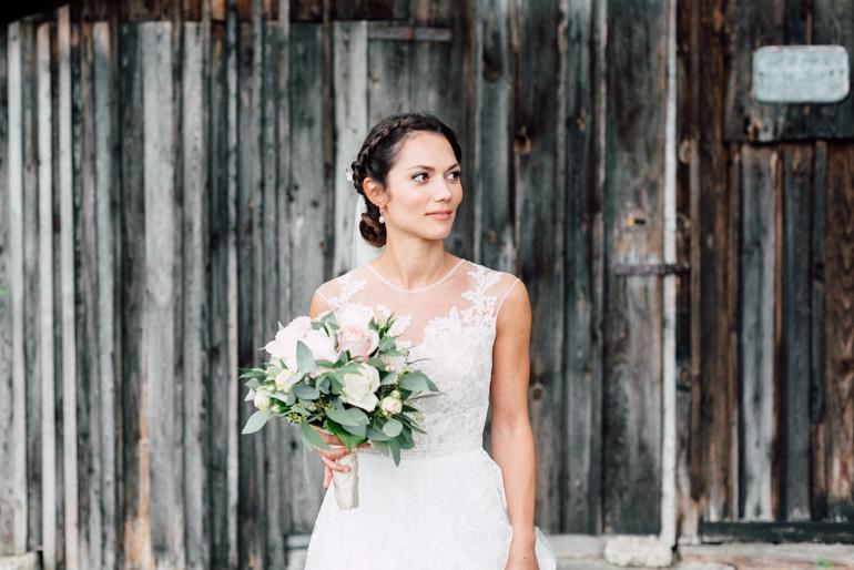 Julia-Mühlbauer-Hochzeitsfotografie-Atzenbrugg-28.jpg