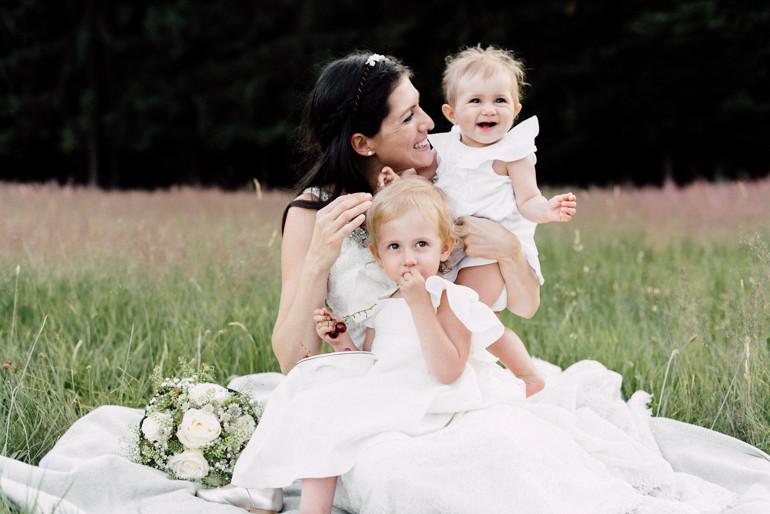 Julia-Mühlbauer-Hochzeitsfotografie-Kinder-Braut-22.jpg