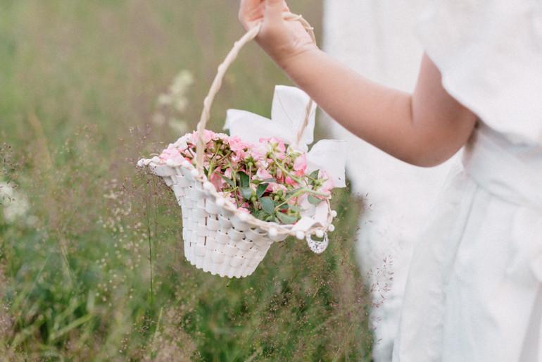 Julia-Mühlbauer-Hochzeitsfotografie-Kinder-Braut-34.jpg