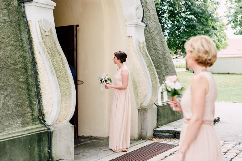 Julia-Mühlbauer-Hochzeitsfotografie-Atzenbrugg-14.jpg