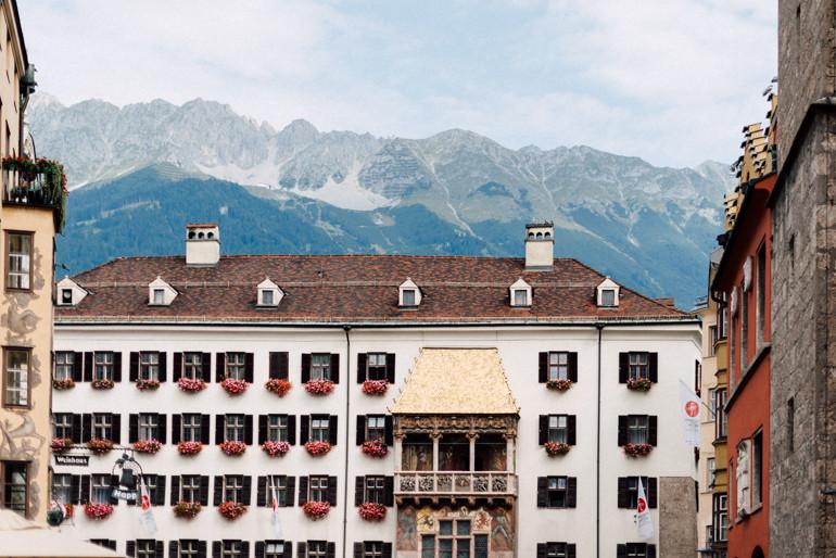Hochzeitsreportage-Innsbruck-JuliaMuehlbauer-01.jpg