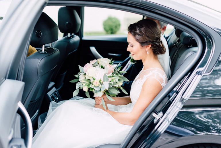 Julia-Mühlbauer-Hochzeitsfotografie-Atzenbrugg-13.jpg
