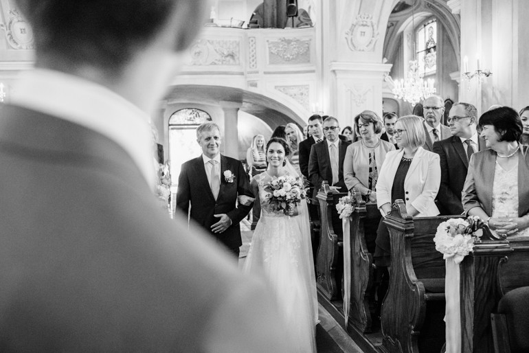 Julia-Mühlbauer-Hochzeitsfotografie-Atzenbrugg-16.jpg