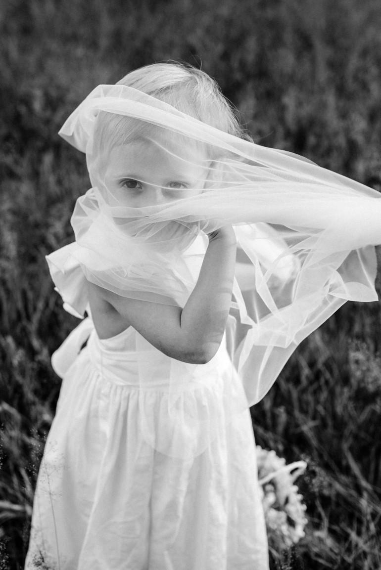 Julia-Mühlbauer-Hochzeitsfotografie-Kinder-Braut-00.jpg
