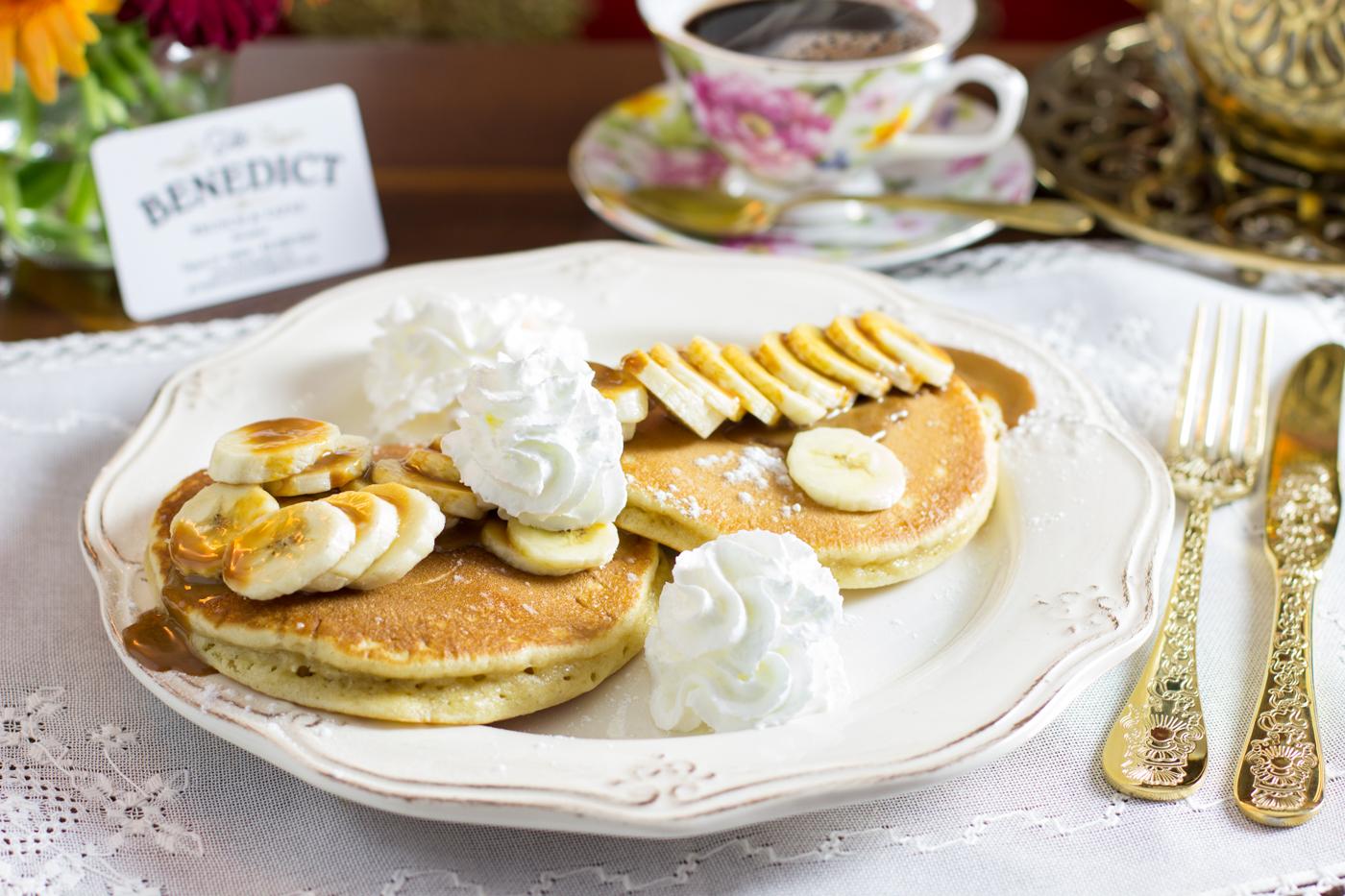 The Benedict - Pancakes con plátano