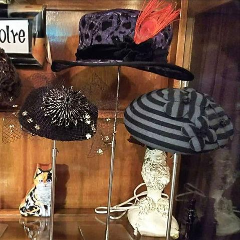 d45cffdeb7678 ... TO ROCKIN  HORSE(ドレストゥロッキンホース)」に初参加。 polreは、被る方の魅力を引き出す帽子作りをモットーと した一点物メインの帽子ブランドで、いろいろな ...