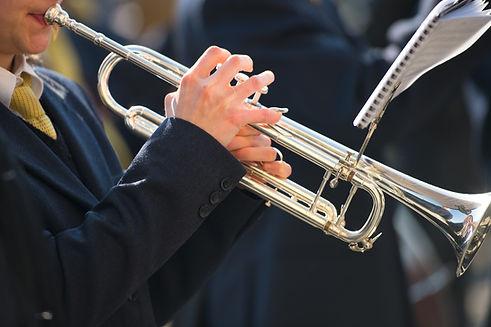 trumpet-plays-band.jpg