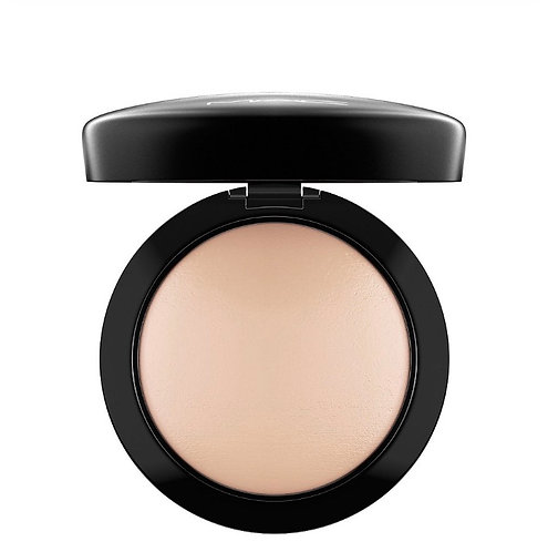 M.A.C Mineralize Skinfinish Natural Light Plus.