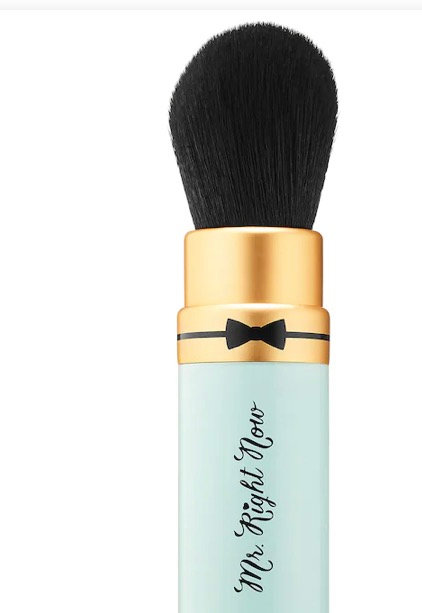 Too Faced Mr. Right Now Mini Retractable Powder Brush