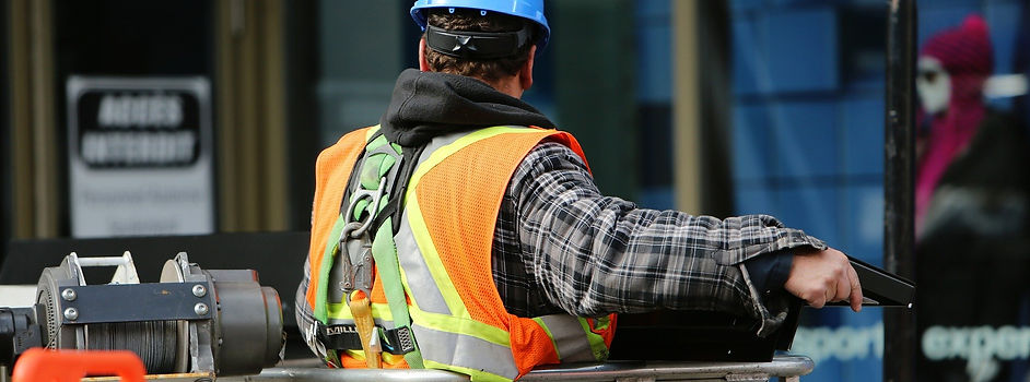 construction-worker-569126_1920.jpg