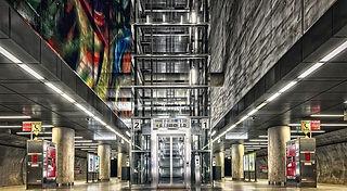 elevator-5092073_640.jpg