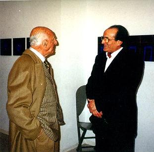 1999 Gillo Dorfles in visita a Milano al