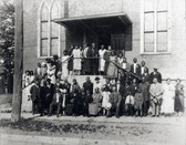 A_group_on_the_front_steps_of_Salem_Chap