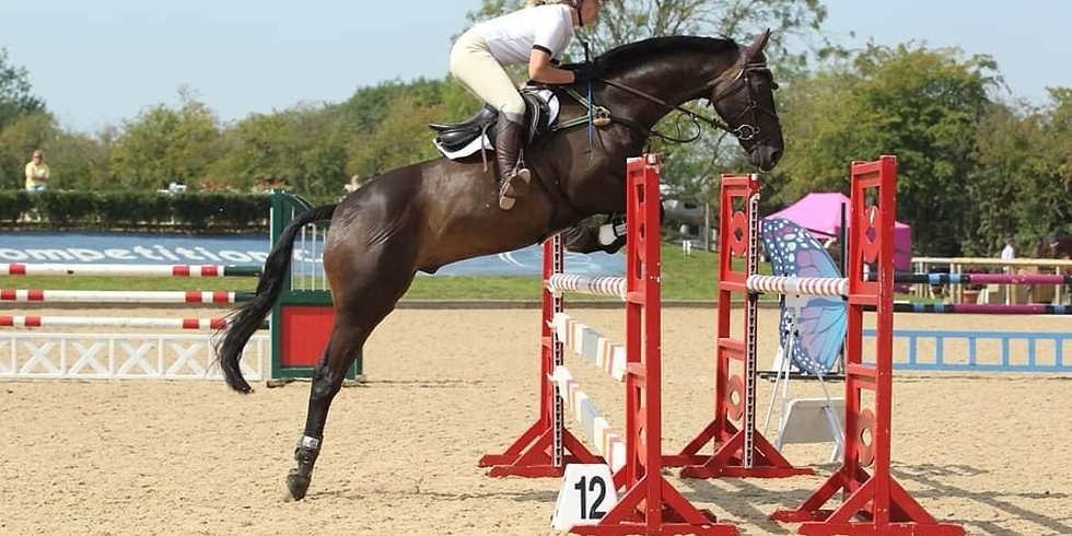 SHOW JUMPING WITH TAMSIN ADDISON