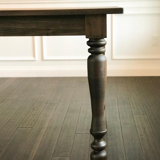 table leg pic.JPG