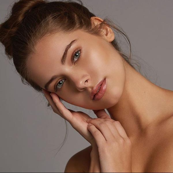 Tampa Florida makeup artist Casey Cheek Makeup Artist portfolio of model