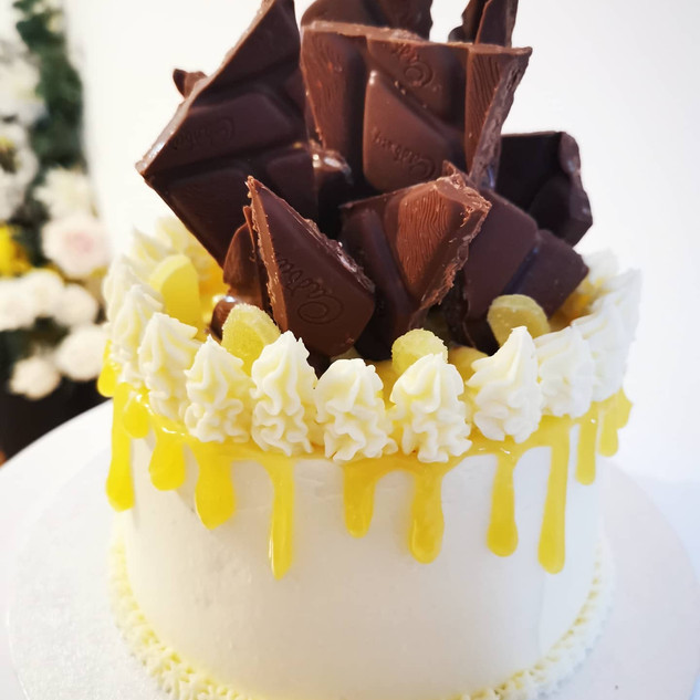 Lemon & Popping Candy Cake