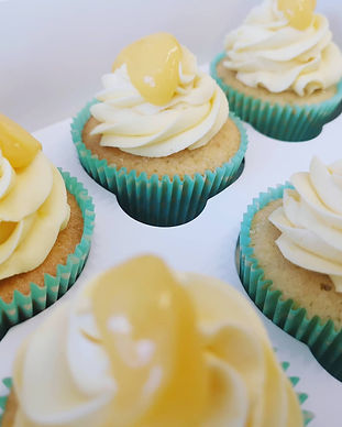 Boozy lemon curd cupcakes