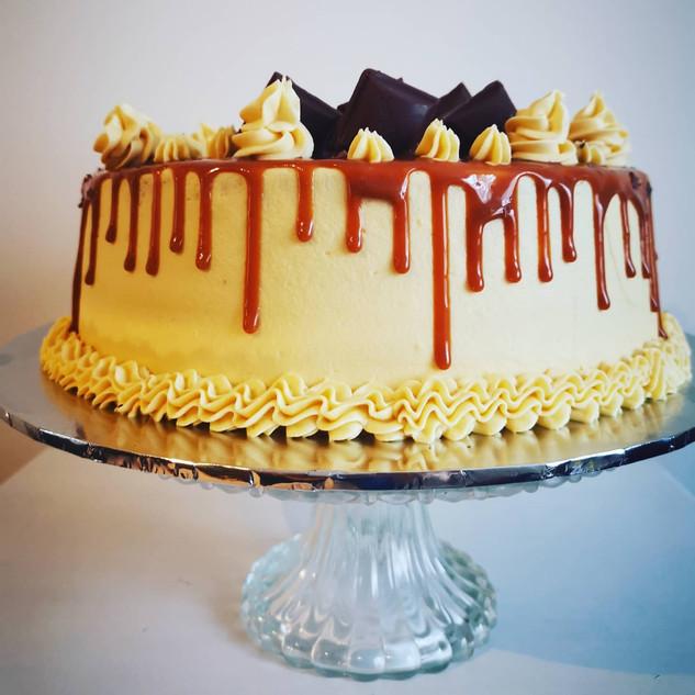 Salty & Sweet 🍬 A Happy Birthday cake for Jo